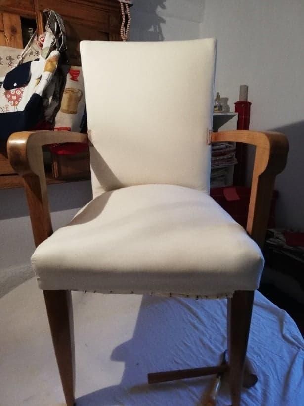 Fauteuil rénové tissu blanc cassé